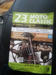 Mercadillo coches y motos clásicas en Vilanova i la Geltrú, Barcelona.